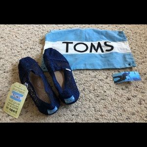 Toms - Navy blue crochet shoes